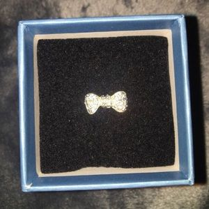 Robin McGraw revelation bow ring